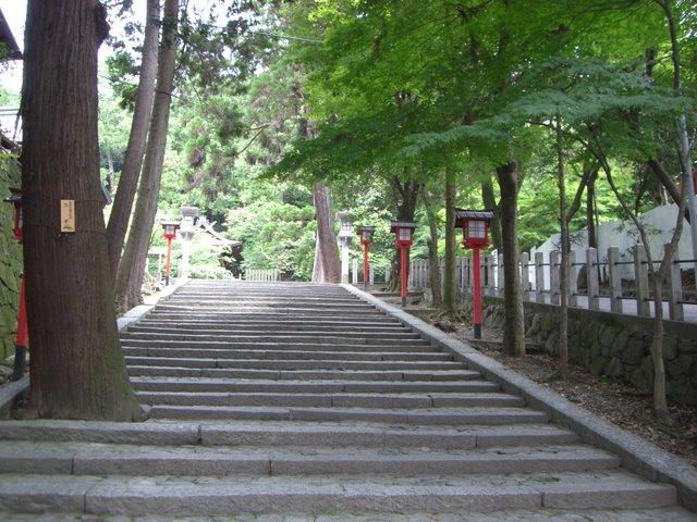 表参道から本宮への階段