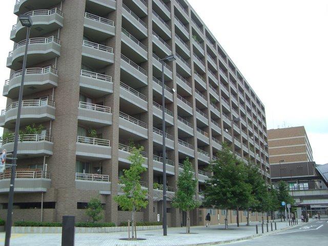 駅前のマンション