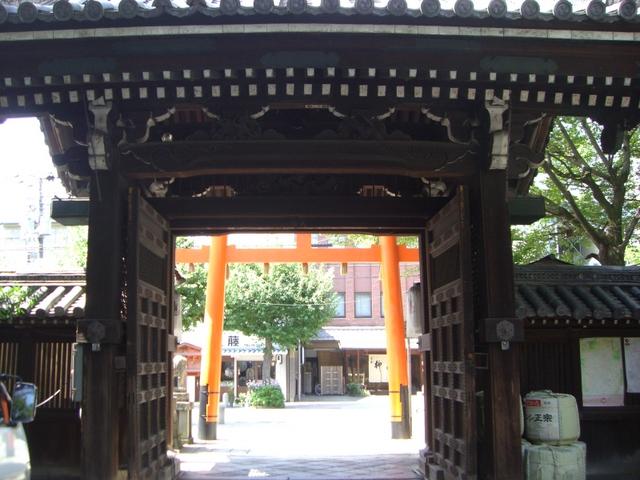 境内から寺町通を望む