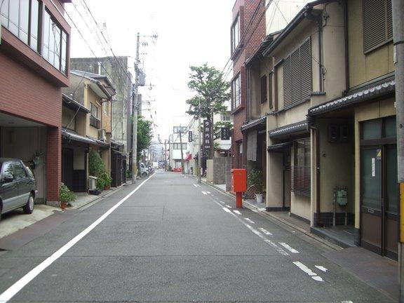 丸太町通り近くから南を向いて