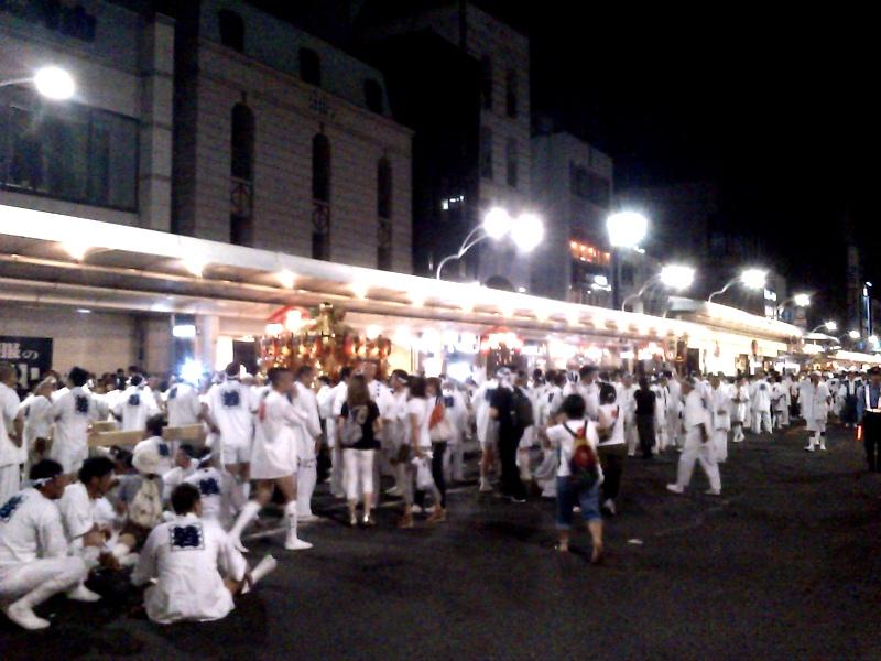 四条寺町に到着したのは9時半を回っていました